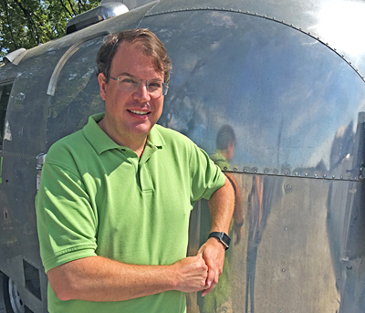 AndyRobinowitz_Airstream_Cropped_400x343_90